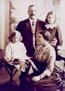 Chandler family circa 1914