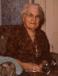 Bessie Bettencourt.png