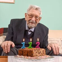 Bob Weighton 112th birthday.jpg