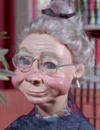 Grandma-Smiler-eor