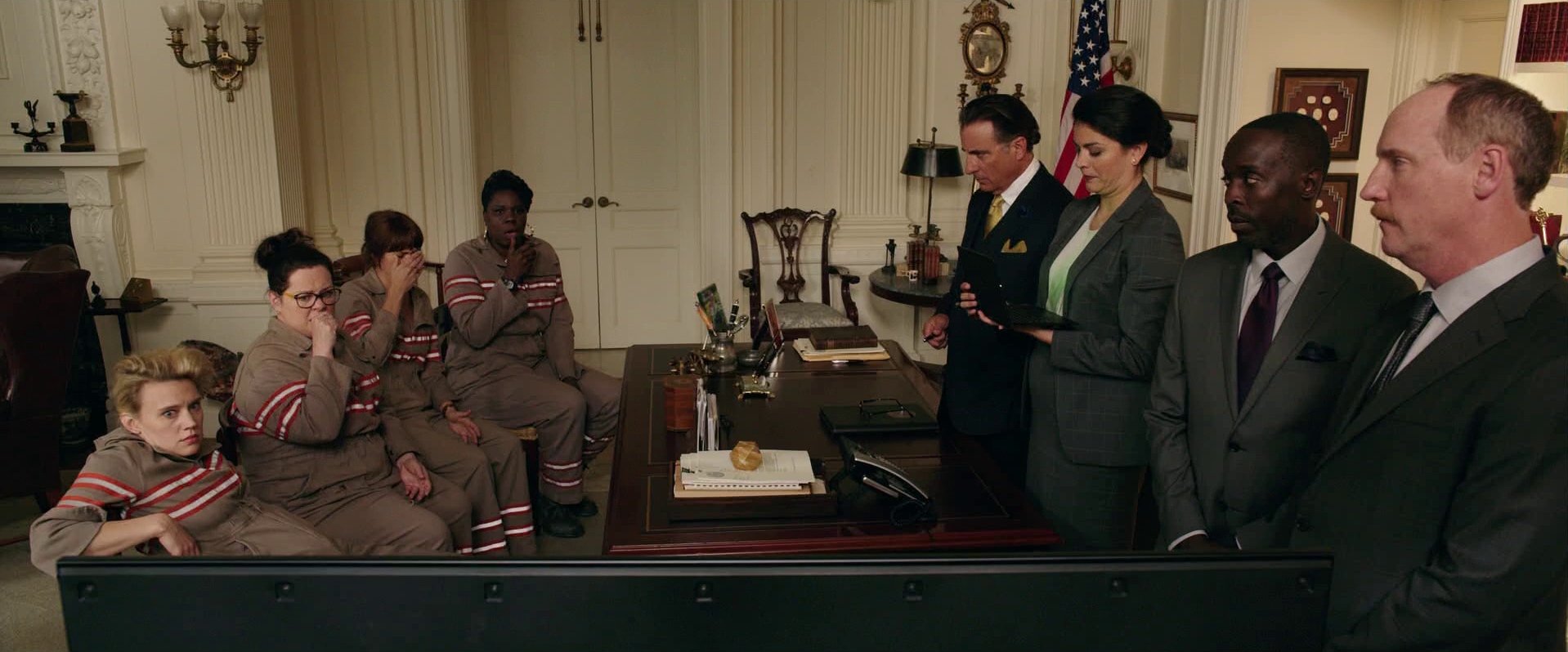Ghostbusters (2016 Movie) (Deleted Scene): The Mayor's Office