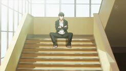 Ritsuka waiting for Mafuyu on the steps