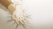 Yuki & Mafuyu holding hands (11)