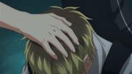 Yagi patting Hiiragi on the head (49)
