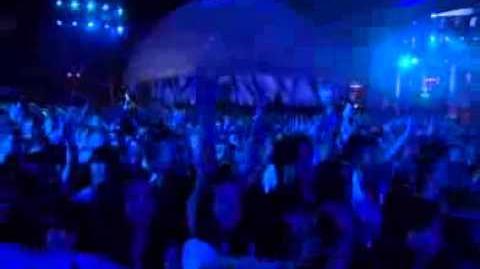 Queen_&_Adam_Lambert_'Don't_Stop_Me_Now'