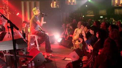 Adam_Lambert_@_Take_40_Live_Lounge