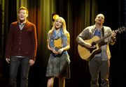 Glee-thanksgivng-1.jpg