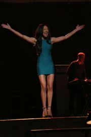 Glee-season-5-EWFRTH67I-funny-girl-understudy-frenemies.jpg