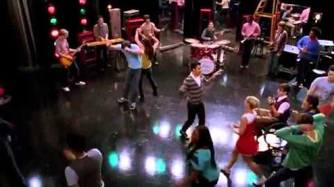 Glee_-_Superstitious_(Full_Performance)