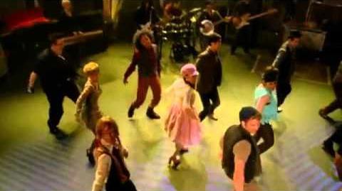 """Glee_-_Full_Performance_of_""""Baby_Got_Back"""""""