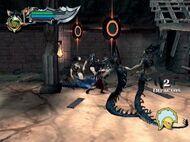 Kratos peleando contra las gorgonas en el desafio