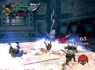 Kratos utilizando la Furia de Cronos contra los perros salvajes