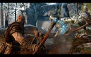 Kratos e sua nova arma