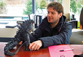 Godzilla 2014 Art of Destruction - Gareth Edwards and LegendaryGoji Figure