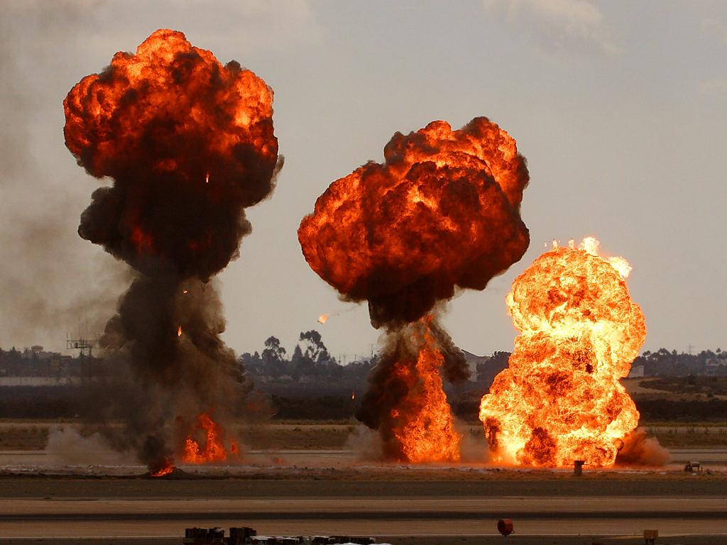 Multiexplosion