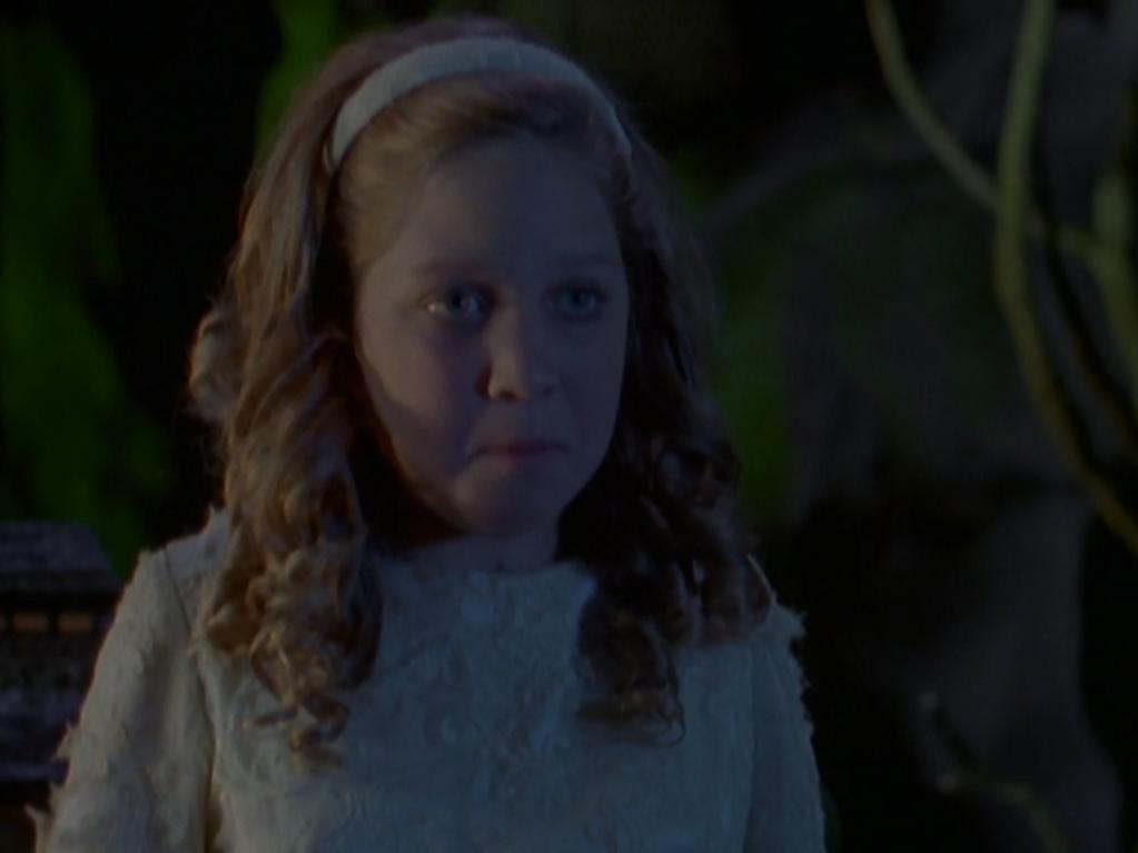 Gwendolyn - Vampire Breath (TV Episode).png