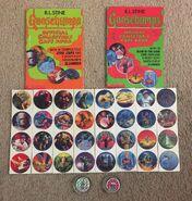 2 Collectors Caps books + 32 Caps unpunched + 2 Slammers