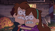 S1e1 pines twins are scared