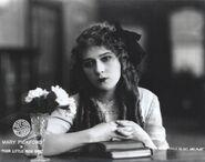 Poor-little-rich-girl-1917