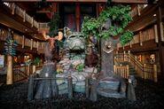 Great-Wolf-Lodge-lobby