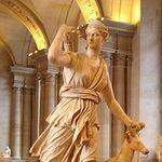 Diane de Versailles Leochares.jpg
