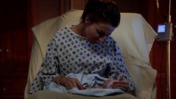 Amelia und ihr Baby.jpg