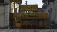 ChihuahuaHotdogs-GTAV-Downtown