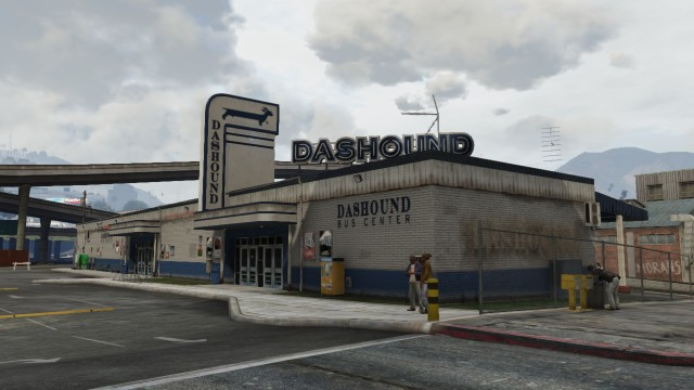 Dashound Bus Center GTA V (extérieur).png