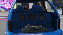 MinivanCustom-GTAO-Trunk-SquareSpeakersShelf.png