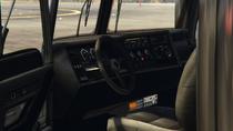 Pounder-GTAV-Inside