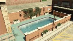 ThePinkCageMotel-SwimmingPool-GTAV