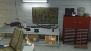 Benny'sOriginalMotorWorks-GTAO-WorkTable1
