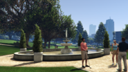 GWCandGolfingSociety-GTAV-Fountain