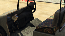 Caddy2-GTAV-Inside