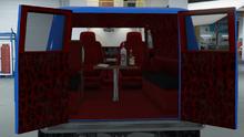 YougaClassic4x4-GTAO-TrimDesign-TV&TableLeopardInterior.png