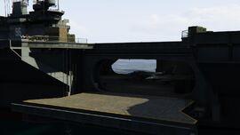 USSLuxington-GTAO-AircraftElevatorLeft