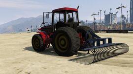 Fieldmaster with sand rake