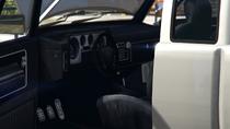 BobcatXL-GTAV-Inside