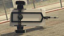 SmallGeneratorTrailer-GTAV-Underside