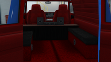 YougaClassic4x4-GTAO-Trunk-SmallBoxSpeakerwithReceiver.png
