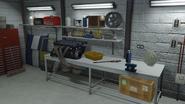 Benny'sOriginalMotorWorks-GTAO-WorkTable2