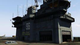 USSLuxington-GTAO-BridgeFromRunway