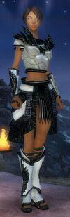 Armure d'obsidienne-Parangon-Femme.jpg