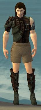 Ranger Obsidian Armor M gray chest feet front.jpg