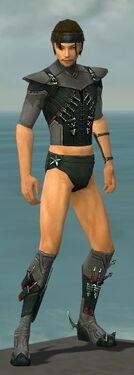 Assassin Seitung Armor M gray chest feet front.jpg