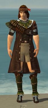 Ranger Druid Armor M gray chest feet front.jpg