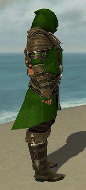 Shining Blade Uniform M default side.jpg