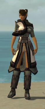 Ranger Norn Armor F gray chest feet front.jpg