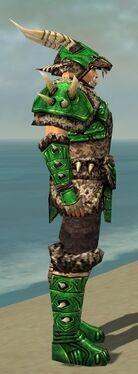 Warrior Elite Charr Hide Armor M dyed side.jpg