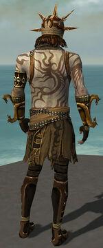 Razah Mysterious armor Back.jpg